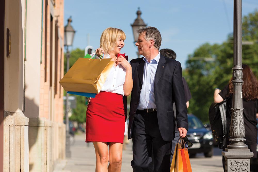 Older-Couple-Shopping